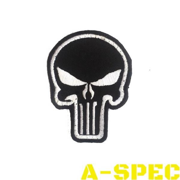 Нашивка череп карателя Punisher черно-белый